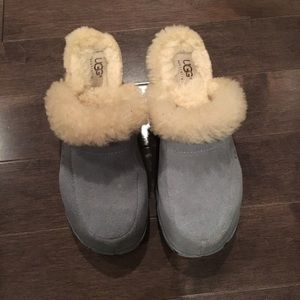 UGG clogs with fur baby blue size 6
